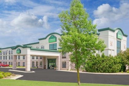 Exterior | Wingate by Wyndham Green Bay/Airport