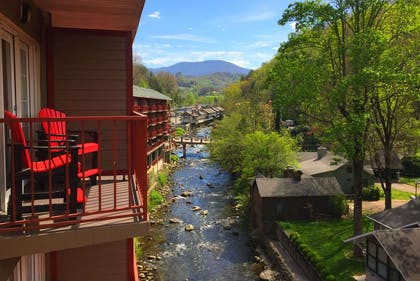 Exterior | Baymont by Wyndham Gatlinburg On The River