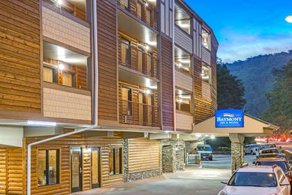 Baymont Gatlinburg | Baymont by Wyndham Gatlinburg On The River