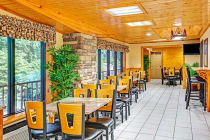 Breakfast Area | Baymont by Wyndham Gatlinburg On The River
