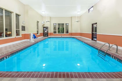 Pool | Super 8 by Wyndham Pine Bluff