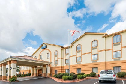 Welcome to the Days Inn And Suites Prattville | Days Inn & Suites by Wyndham Prattville-Montgomery