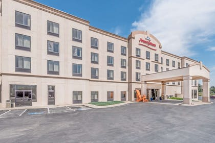 Exterior | Howard Johnson by Wyndham Downtown Rapid City
