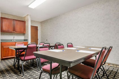 Meeting Room | Days Inn by Wyndham Norton