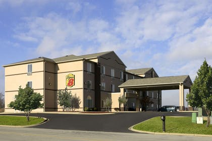 Welcome to the Super 8 Corydon | Super 8 by Wyndham Corydon