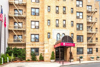 Welcome to the Ramada Jersey City | Ramada by Wyndham Jersey City