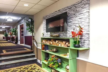 Lobby | Ramada by Wyndham Jersey City