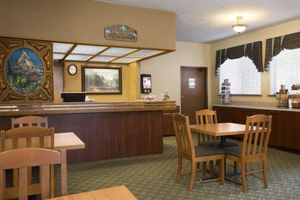 Front Desk | Howard Johnson by Wyndham Leavenworth