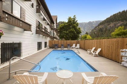 Pool | Howard Johnson by Wyndham Leavenworth