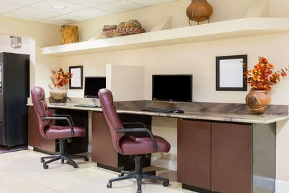 Business Center | Days Inn by Wyndham Camp Verde Arizona