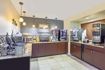 Breakfast Area | Days Inn by Wyndham Camp Verde Arizona