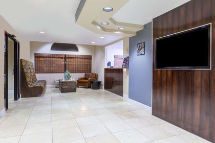 Lobby | Days Inn by Wyndham Camp Verde Arizona