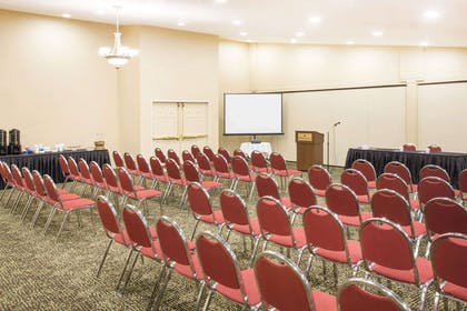 Meeting Room | Ramada by Wyndham Galena Hotel and Day Spa
