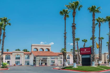 Welcome to the Ramada Las Cruces Hotel and Conference Center | Ramada Hotel & Conference Center by Wyndham Las Cruces