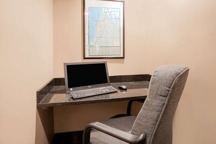 Business Center   Baymont by Wyndham South Haven