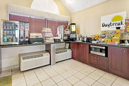 Breakfast Area | Days Inn by Wyndham Greeley