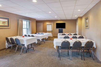 Meeting Room | Ramada by Wyndham Shelbyville/Louisville East