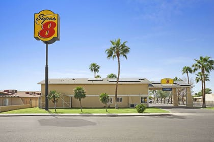 Welcome to Super 8 El Centro | Super 8 by Wyndham El Centro