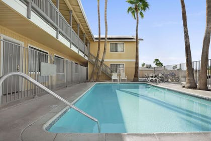 Pool | Super 8 by Wyndham El Centro