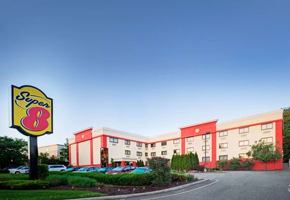 Welcome to the Super 8 Mahwah | Super 8 by Wyndham Mahwah
