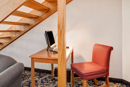 Business Center | Super 8 by Wyndham Mahwah