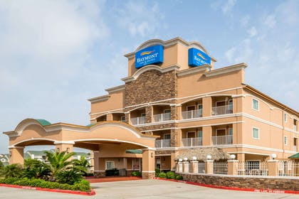 Exterior | Baymont by Wyndham Galveston