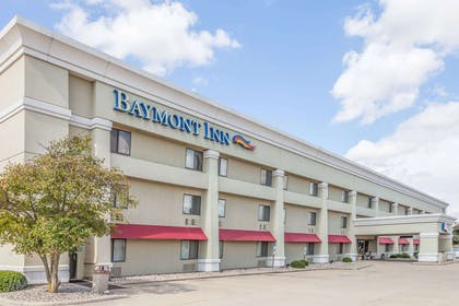 Exterior | Baymont by Wyndham Champaign