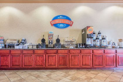 Breakfast Area | Baymont by Wyndham Wichita Falls