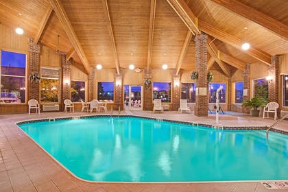 Indoor Pool | Baymont by Wyndham Indianapolis