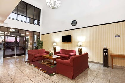 Lobby | Days Inn & Suites by Wyndham Artesia