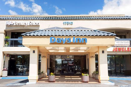Welcome to the Days Inn Artesia | Days Inn & Suites by Wyndham Artesia