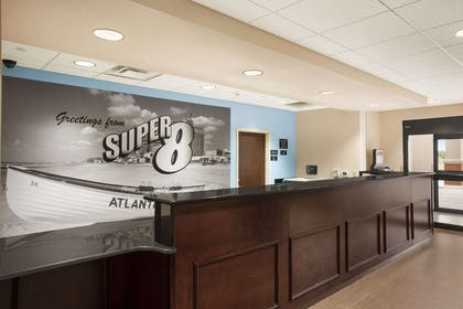 Lobby | Super 8 by Wyndham Pennsville/Wilmington