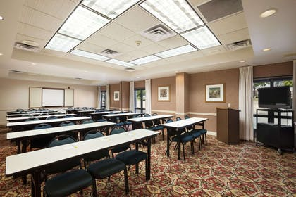 Collins Room | Days Inn & Suites by Wyndham Cedar Rapids