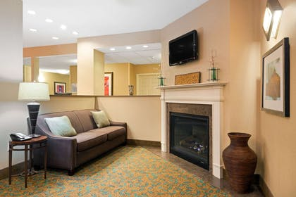 Lobby | Baymont by Wyndham Denver International Airport