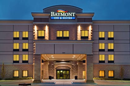 Exterior | Baymont by Wyndham Denver International Airport
