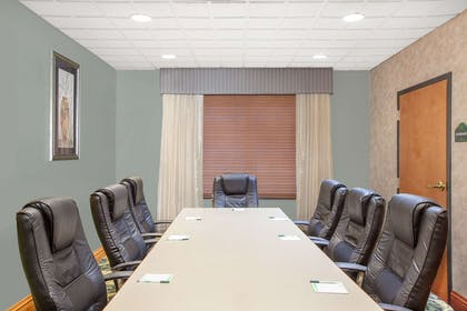 Meeting Room | Wingate by Wyndham Lafayette Airport