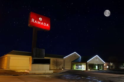 Exterior | Ramada Hotel & Conference Center by Wyndham Mitchell