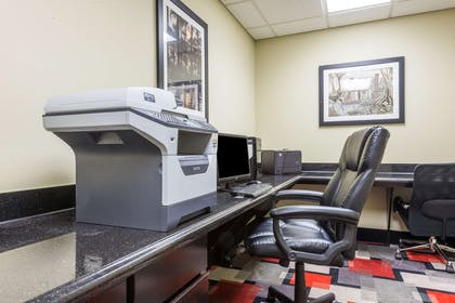 Business Center | Wingate by Wyndham Lake Charles Casino Area