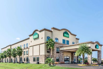 Welcome To The Wingate By Wyn Lake Charles Casino | Wingate by Wyndham Lake Charles Casino Area