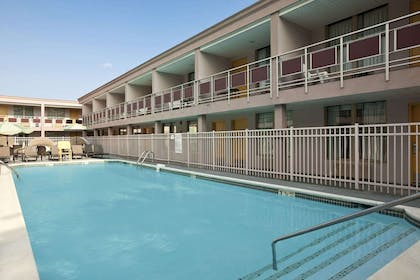 Pool | Ramada by Wyndham Rockville Centre