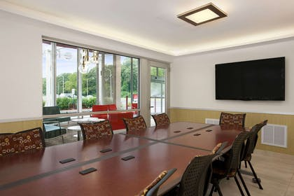 Meeting Room | Ramada by Wyndham Rockville Centre