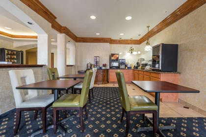 Breakfast Area | Days Inn & Suites by Wyndham Cleburne TX