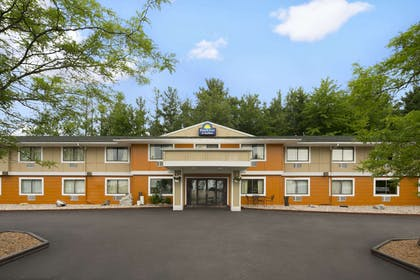 Welcome to the Days Inn and Suites Stevens Point. | Days Inn & Suites by Wyndham Stevens Point