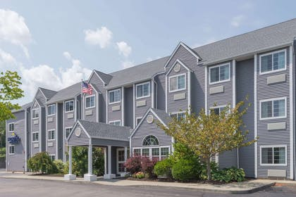 Welcome to the Microtel Inn and Suites by Wyndham Uncasville | Microtel Inn & Suites by Wyndham Uncasville