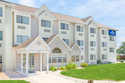 Exterior | Microtel Inn & Suites by Wyndham Green Bay