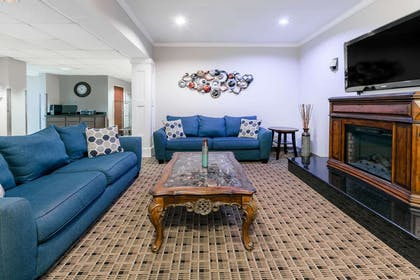 Lobby | Microtel Inn & Suites by Wyndham Scott/Lafayette