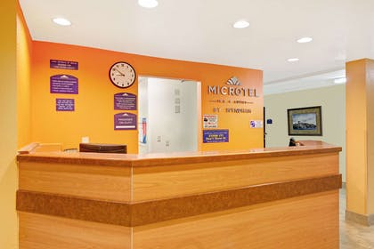 Front Desk | Microtel Inn & Suites by Wyndham Cordova/Memphis/By Wolfchas