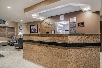 Lobby   Microtel Inn & Suites by Wyndham Rochester
