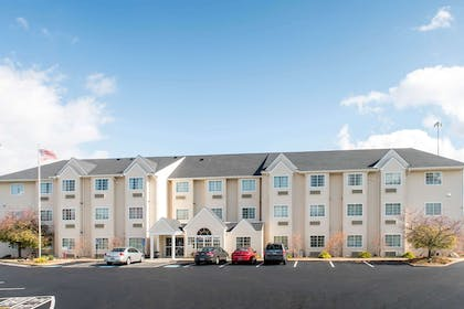Welcome to the Microtel Inn and Suites by Wyndham North Canton | Microtel Inn & Suites by Wyndham North Canton