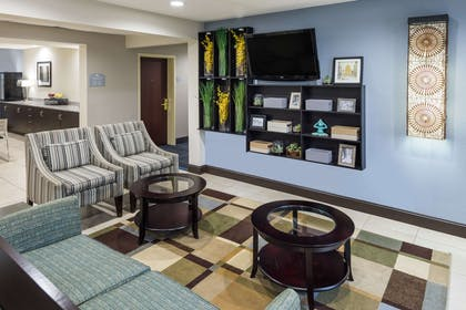 Lobby | Microtel Inn & Suites by Wyndham Greenville / Woodruff Rd